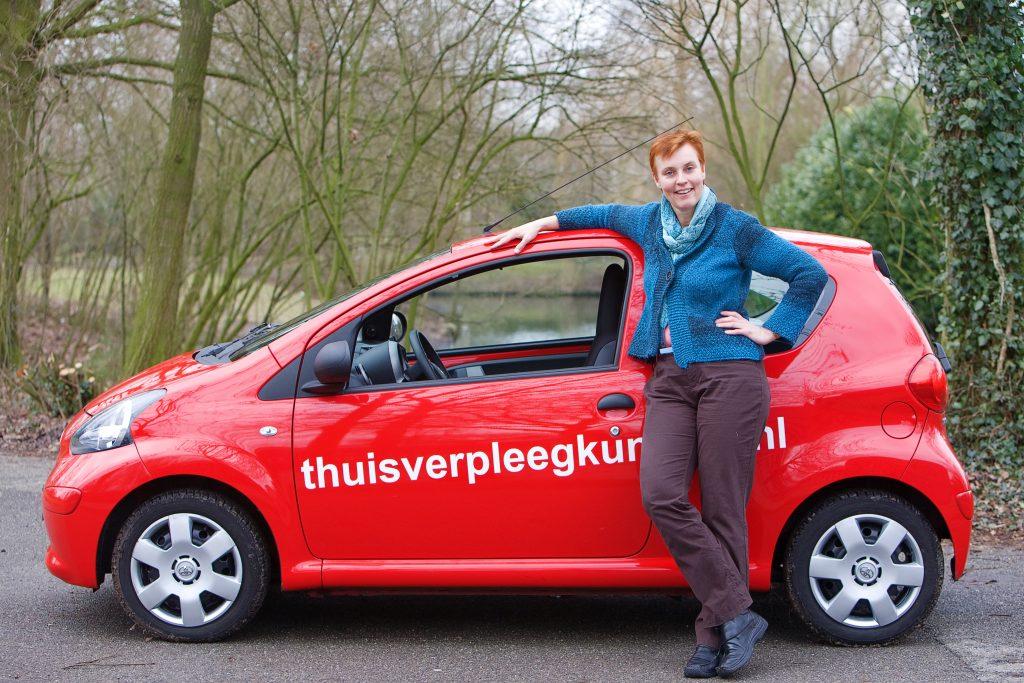 Annelies Blekman en auto foto 2